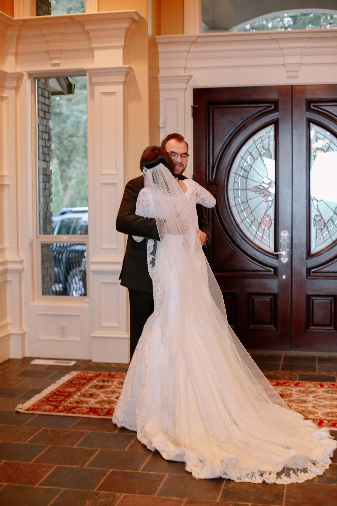 Manu and Laura - Portland Wedding Photographer - 21.jpg