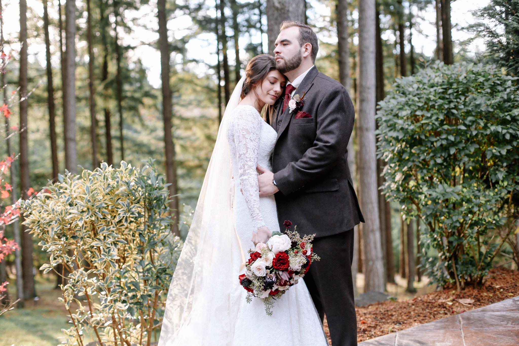 Manu and Laura - Portland Wedding Photographer - 25.jpg