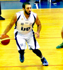 Mike playing overseas in Israel for Maccabi Hod Hasharon '15
