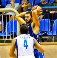 Mike playing overseas in Israel for Elizur Ashkelon '15
