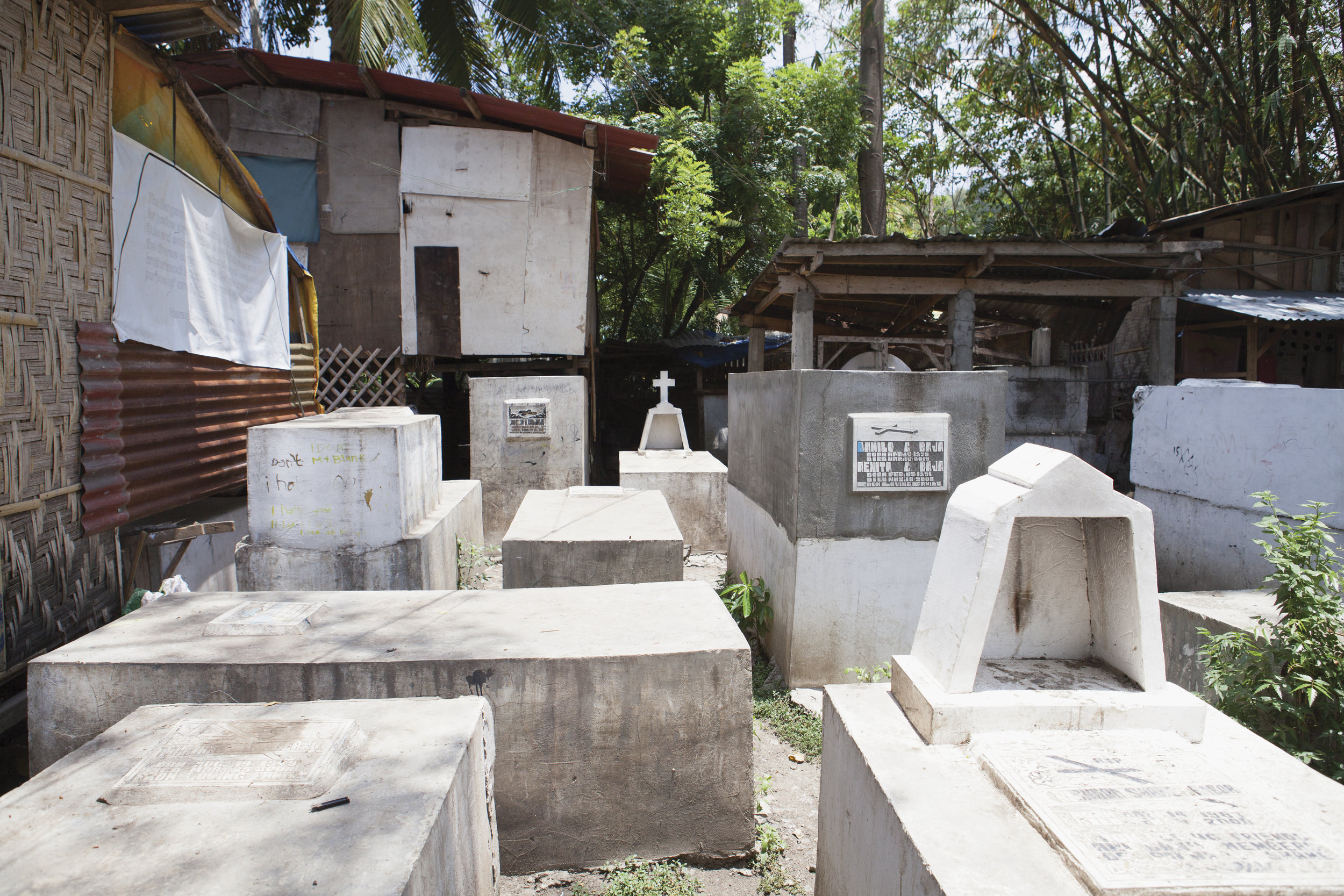 Homes, Maa Cemetery
