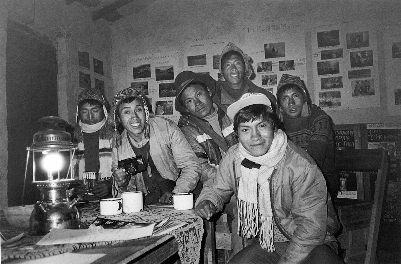 Serapio Verduzco / Una reunion del taller en Ocongate / Ocongate, Cusco, 1987. © TAFOS