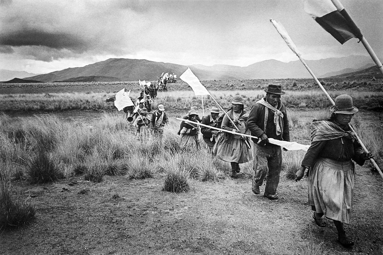 Melchor Lima / Toma de tierras en la comunidad campesina Macará / Melgar, Puno, 1989. © TAFOS