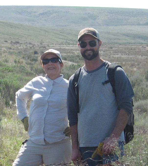 Volunteer Paulette Murphy & Steward Nick Altadonna at the Lind Preserve.