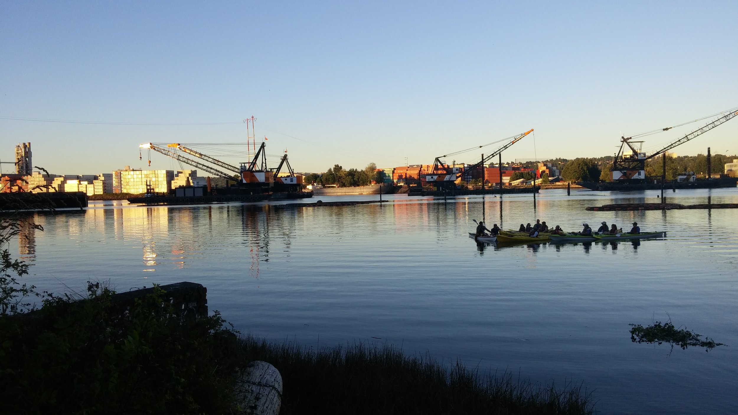 The Duwamish Rowing Club pushes off for an evening sail. Photo by Hannah Kett.