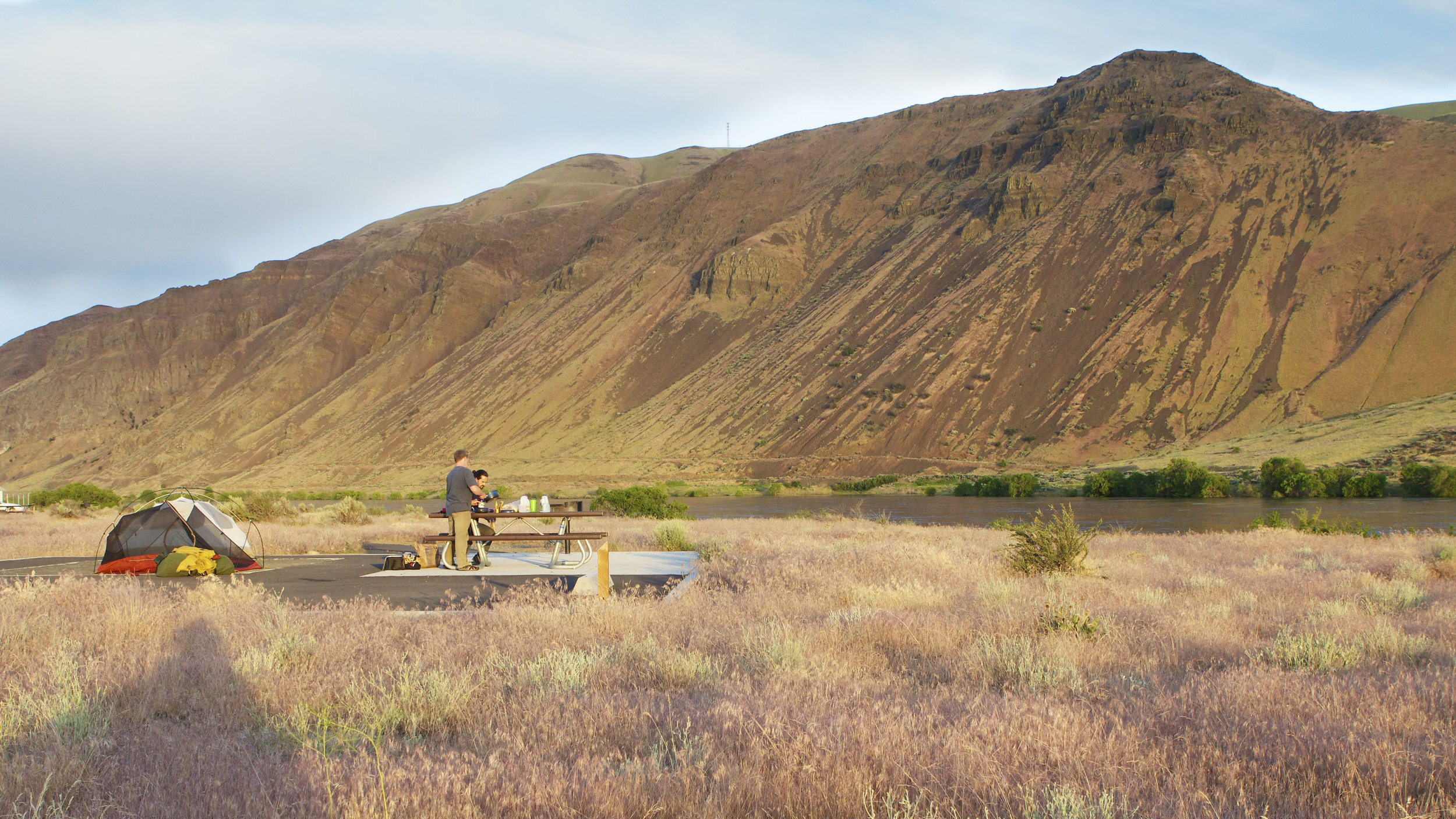 A family camps near the Columbia River in the Hanford Reach National Monument. Photo by Michael Deckert.