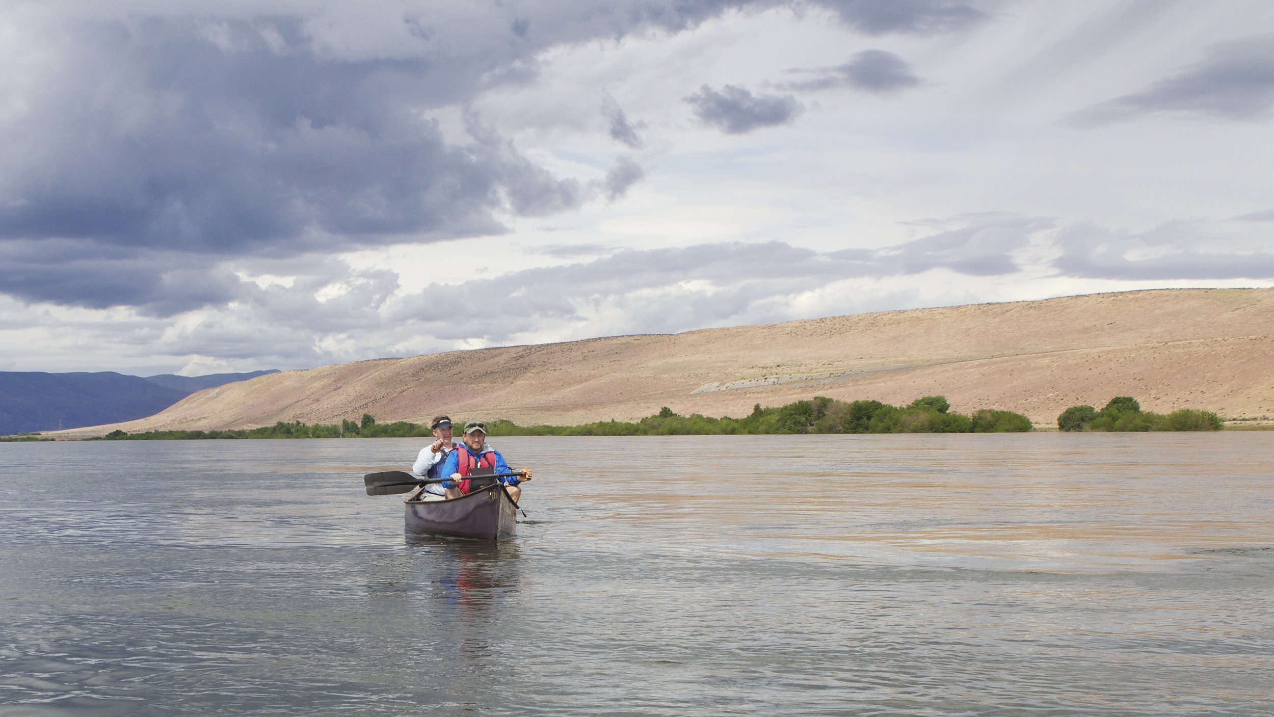 Canoers on the Columbia River near the Hanford Reach National Monument. Photo by Joel Rogers.