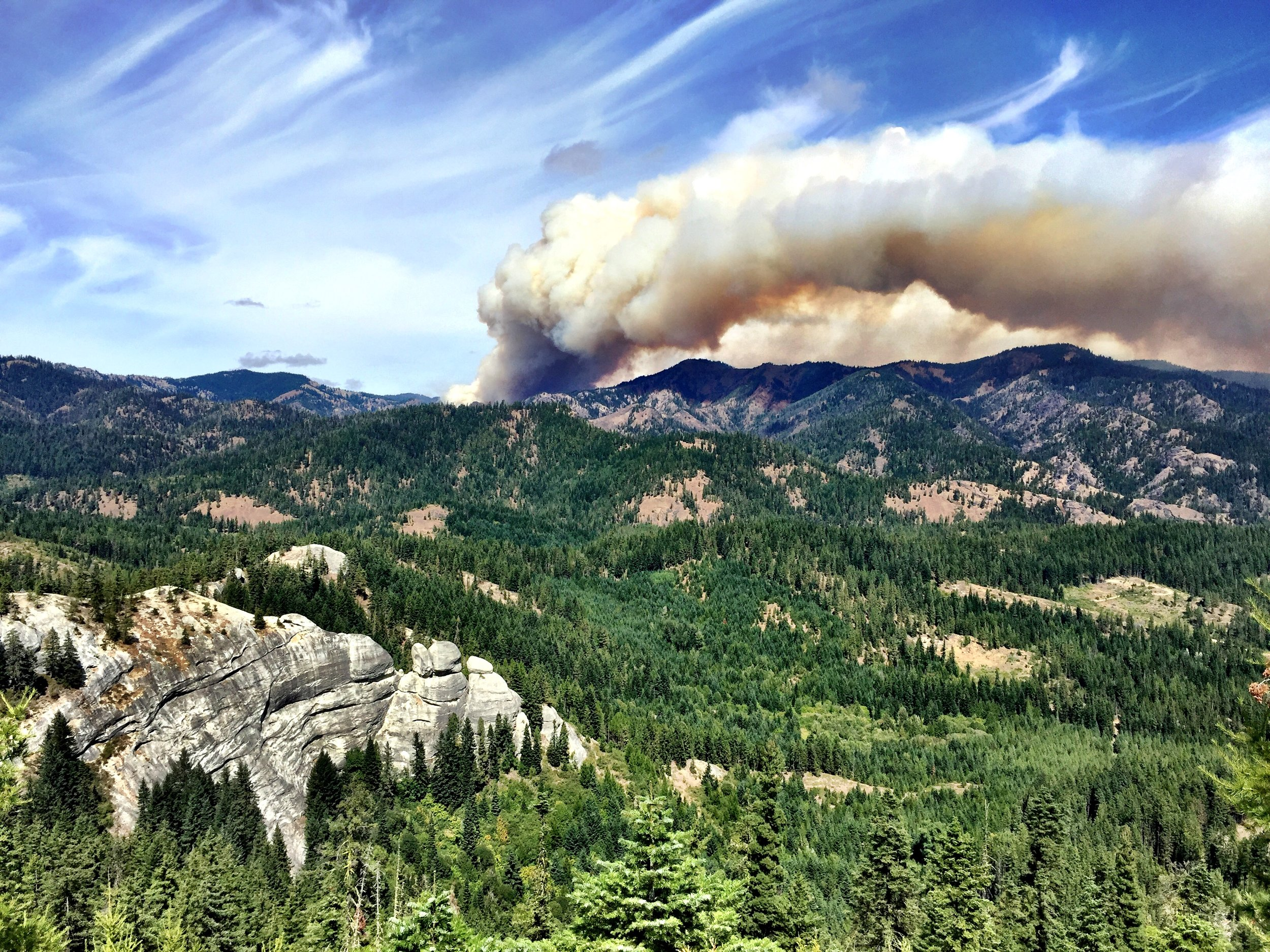 The Jolly Mountain Fire burns in an area near Roslyn, Ronald and Cle Elum. Photo by Brian Mize/TNC.