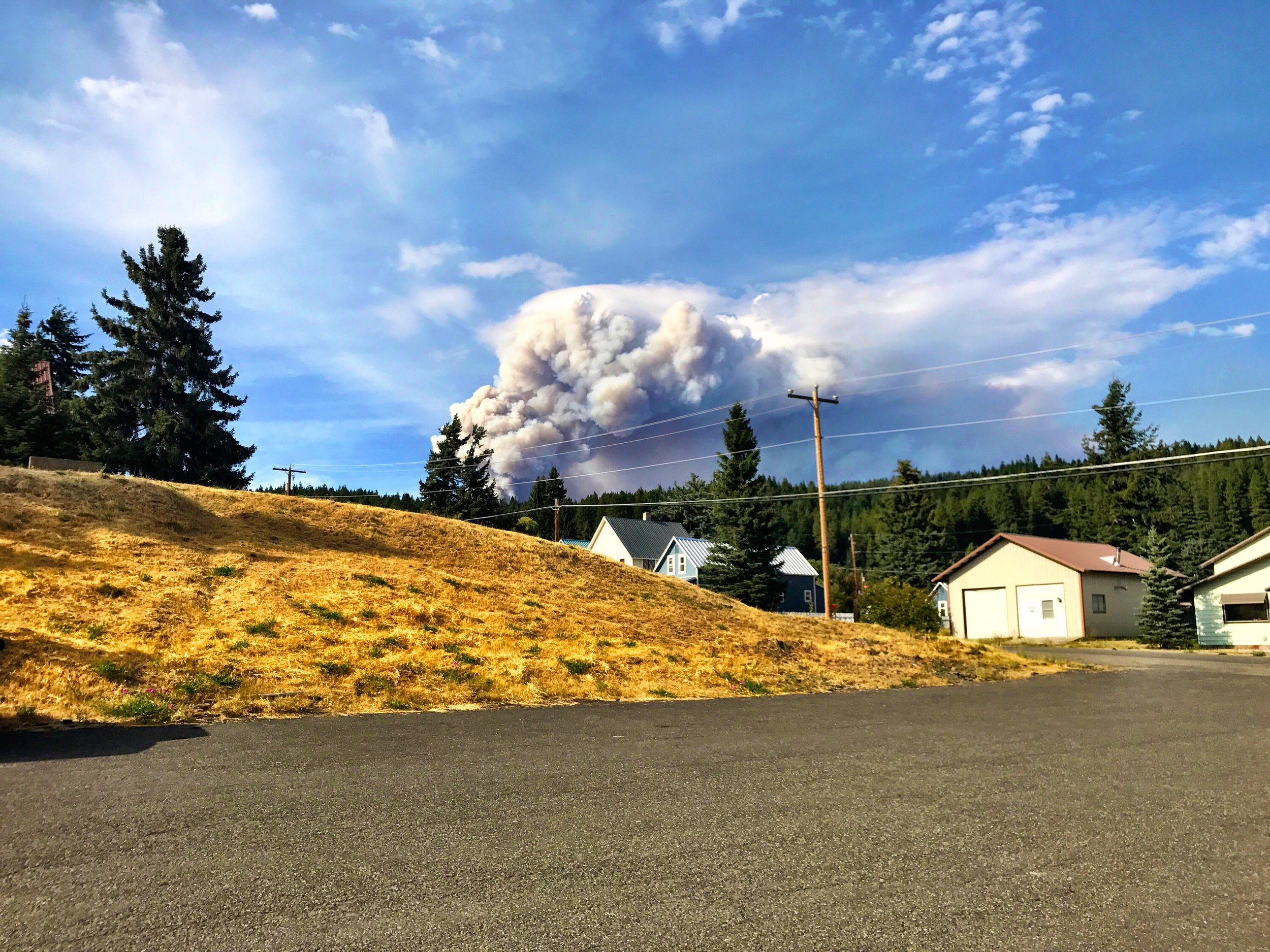 A view of smoke from the Jolly Mountain fire from the town of Roslyn. Photo by Darcy Batura/TNC.