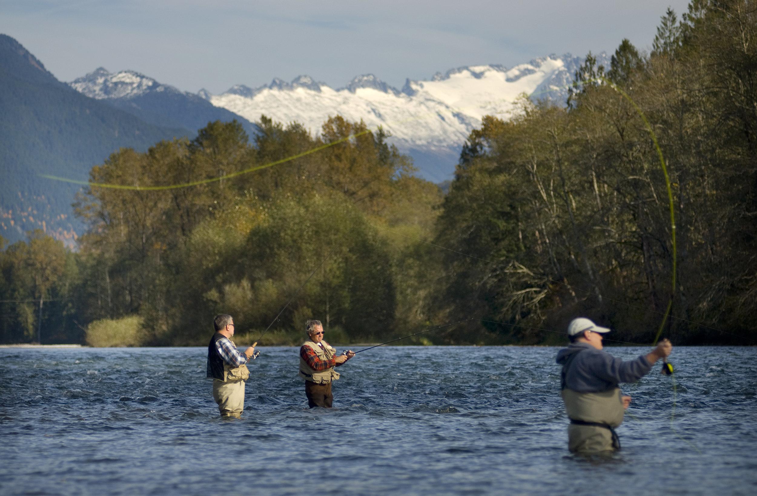 Fishing for salmon on the upper Skagit River near Mount Vernon, Washington. Photo ©Bridget Besaw