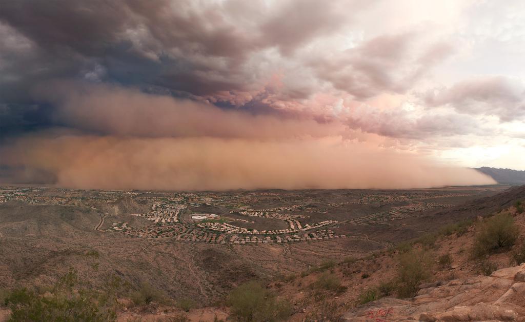 A haboob over Phoenix, AZ, in 2011. Photo by Alan Stark via  Creative Commons  (license  here .)