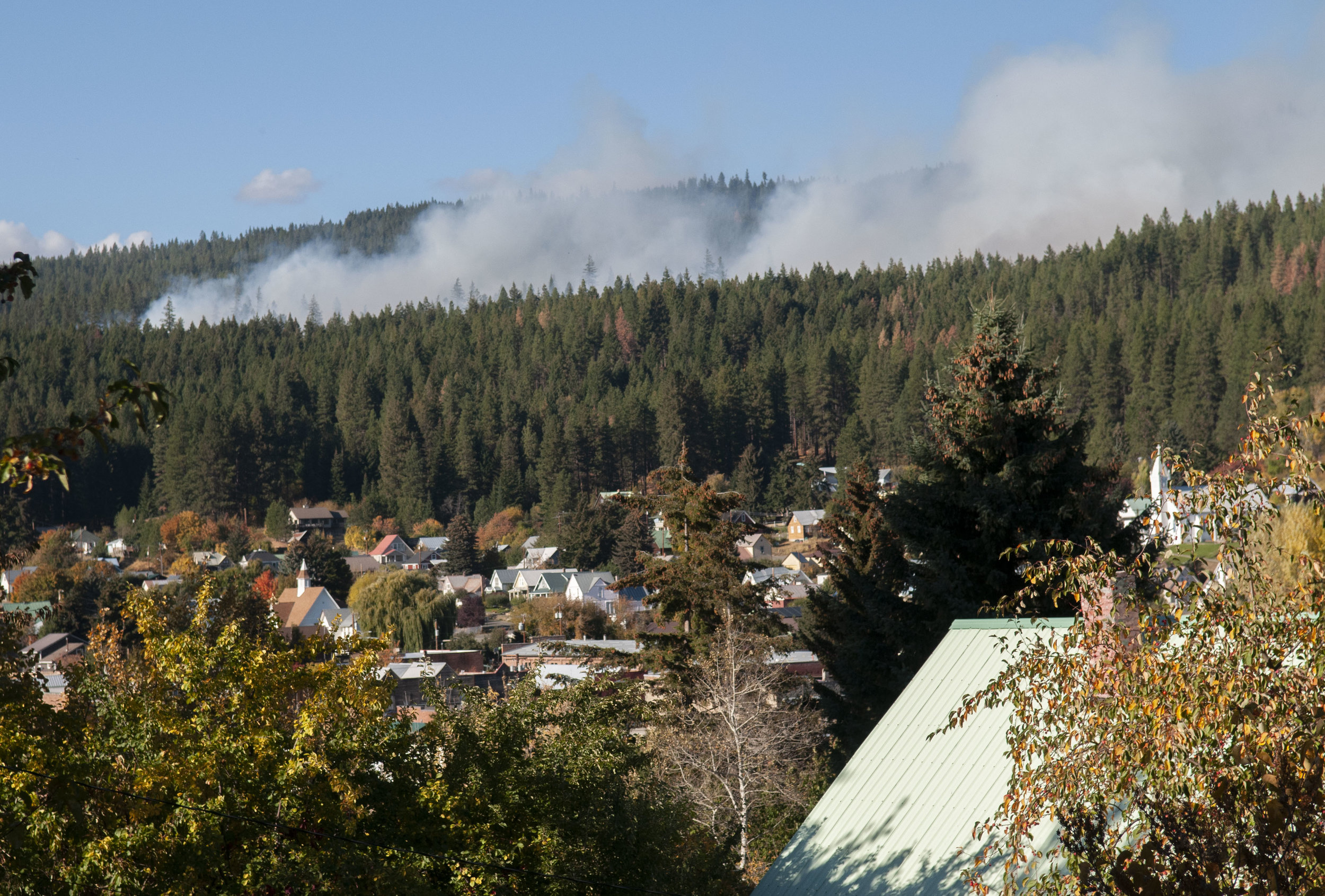 The Oct. 4 burn on 33 acres as seen from the town of Roslyn. © Nikolaj Lasbo / TNC