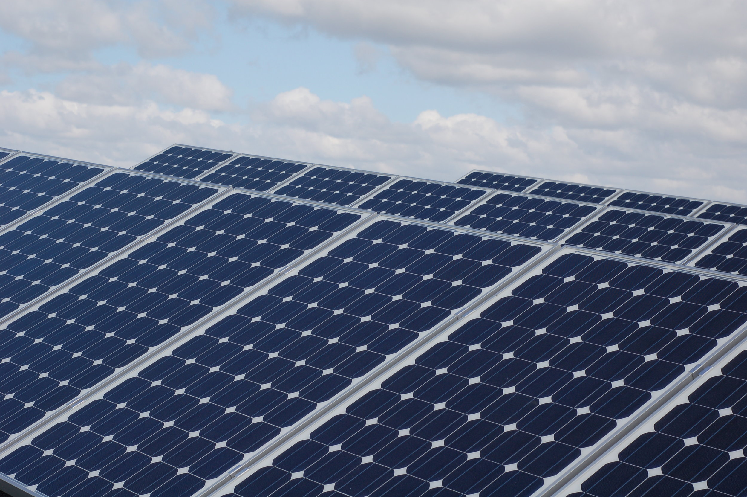 I-1631 will generate investments in clean energy like solar and wind power. Photo © Flickr CC license Lilly, Viktor, Ludvig, Kim & Gitte Andersen_flckrCC