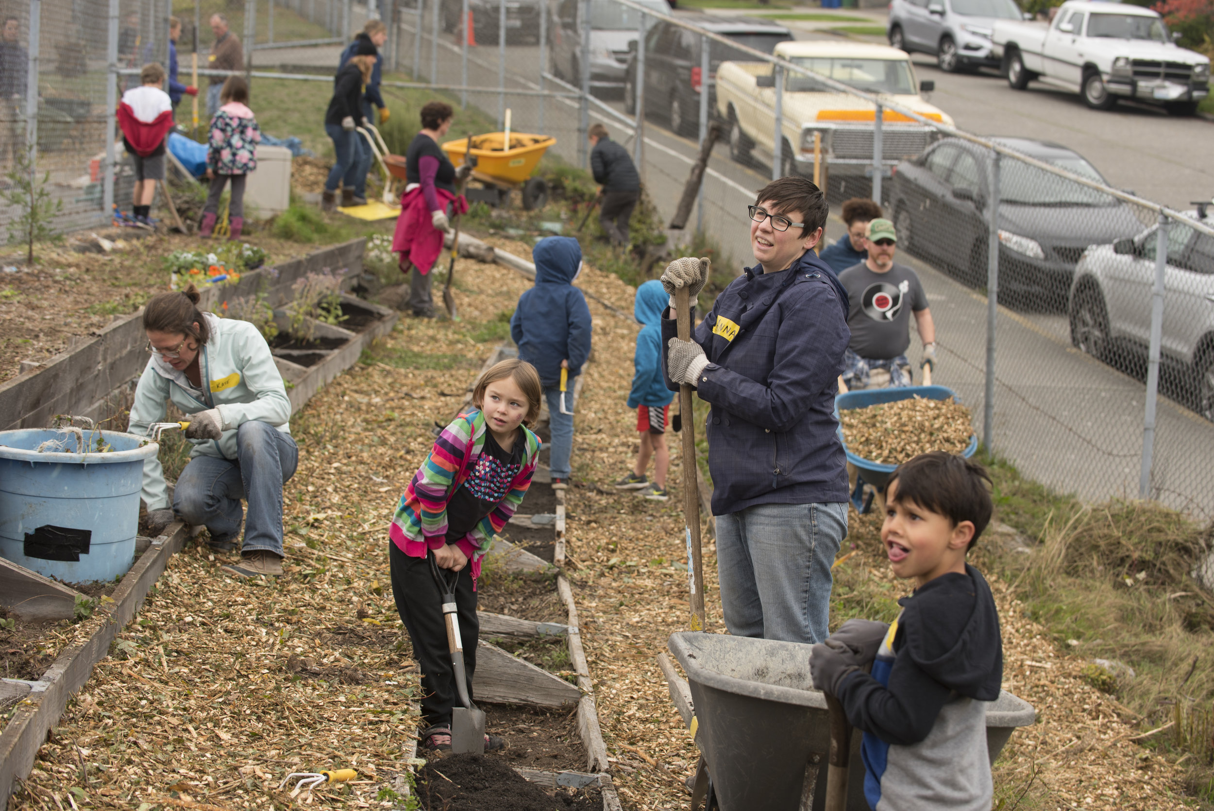 Parents and students create nature-filled play areas and gardens at Hawthorne Elementary in October, 2018. ©Hannah Letinich