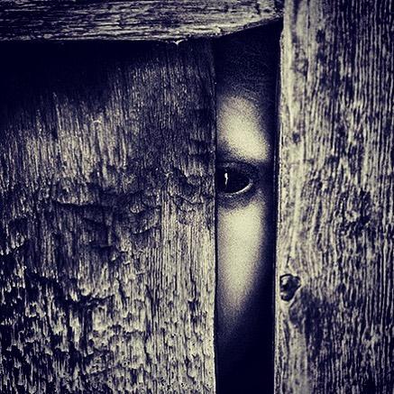 «Slipp meg ut?» eller «jeg ser deg..» ?