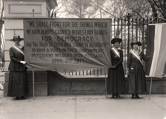 Suffragists from National Women's Party picketing White House