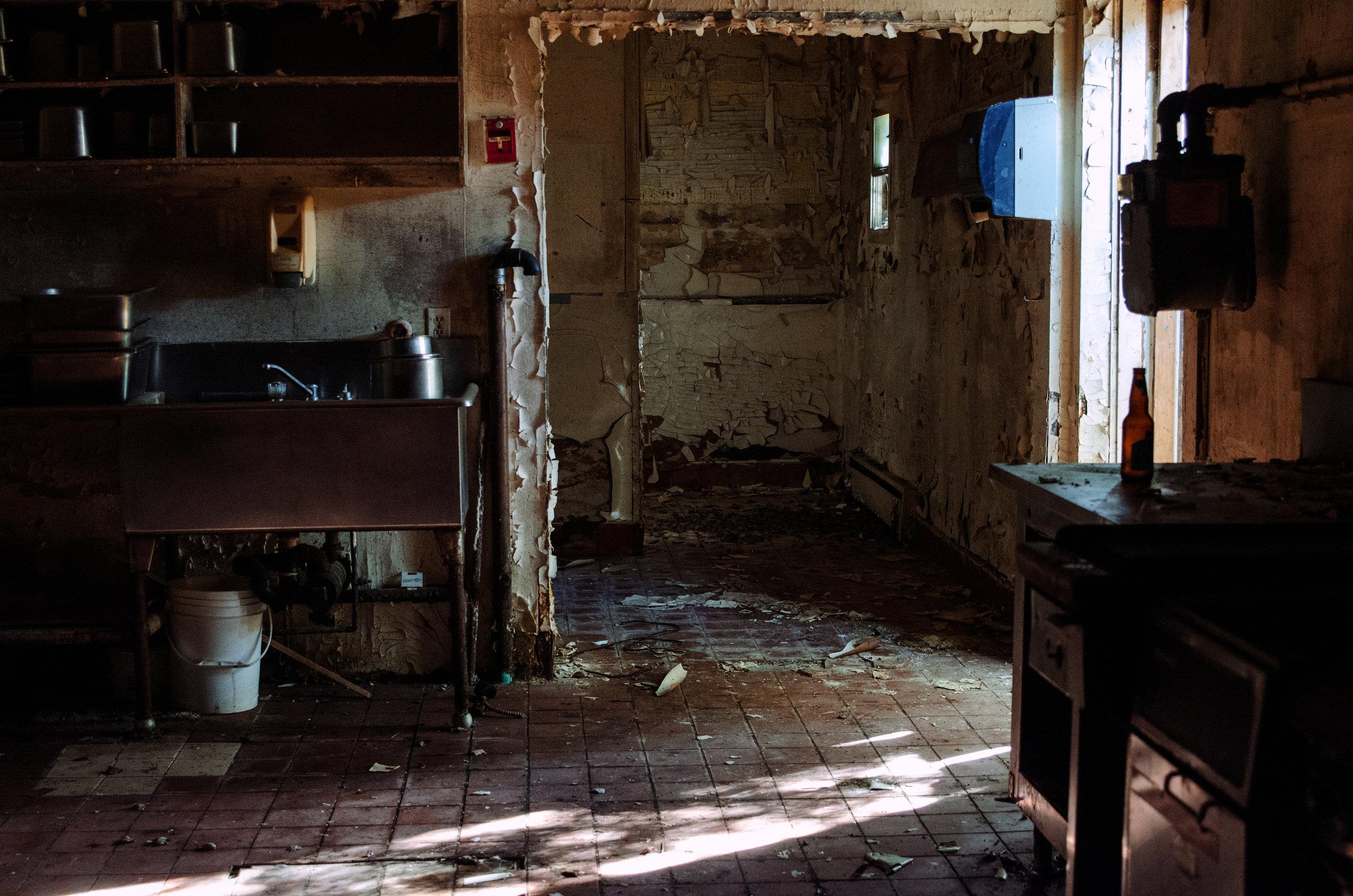 Jenkins, Cheyenne. Blue Bird Kitchen. 2017. Digital Photography. Wawa, Ontario