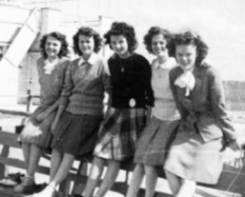Sorority sisters visit Atlantic City, 1944.