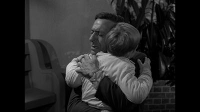 Max Hugging Pip.png
