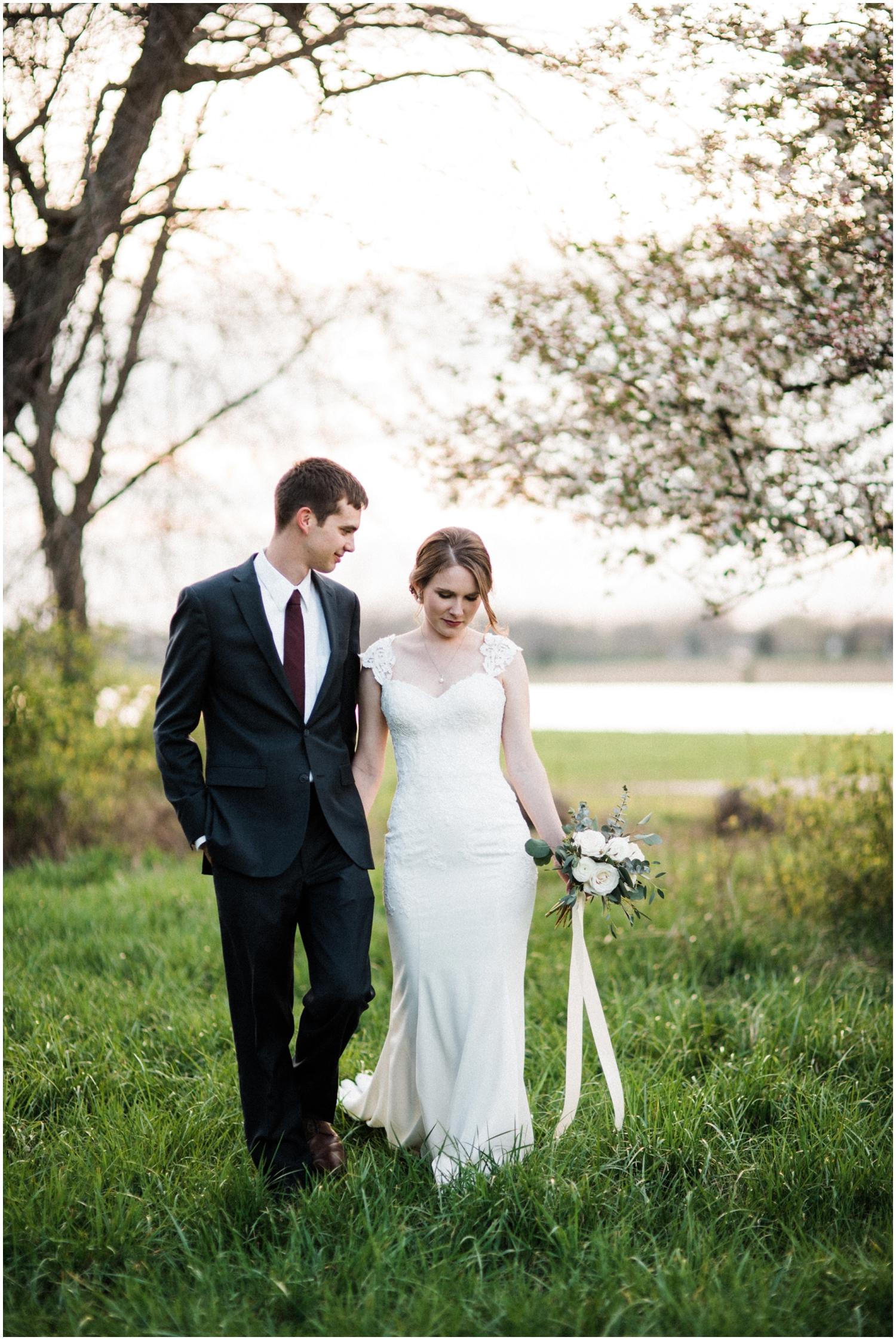 Dayton-Wedding-Photographer-Eastwood-MetroPark_0040.jpg
