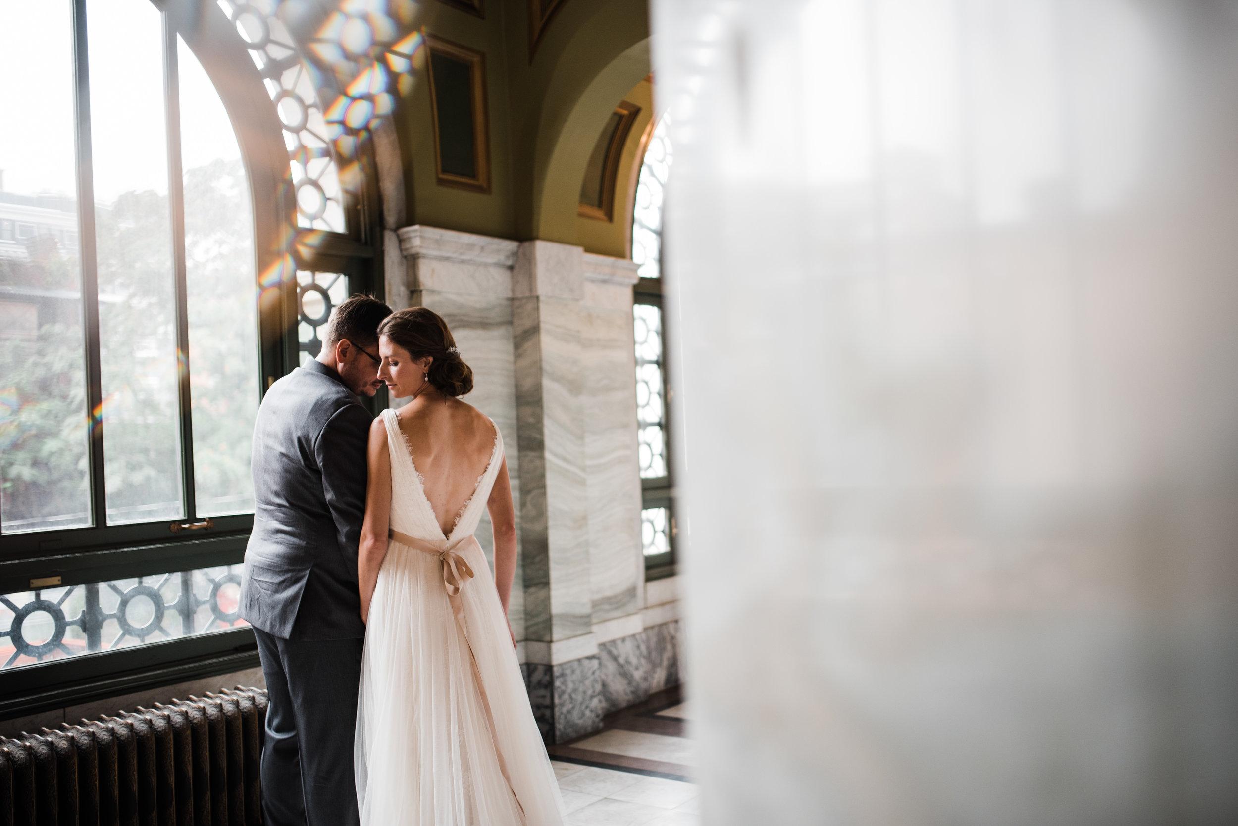 cincinnati-wedding-photographer-chelsea-hall-photography-memorial-hall-14.jpg
