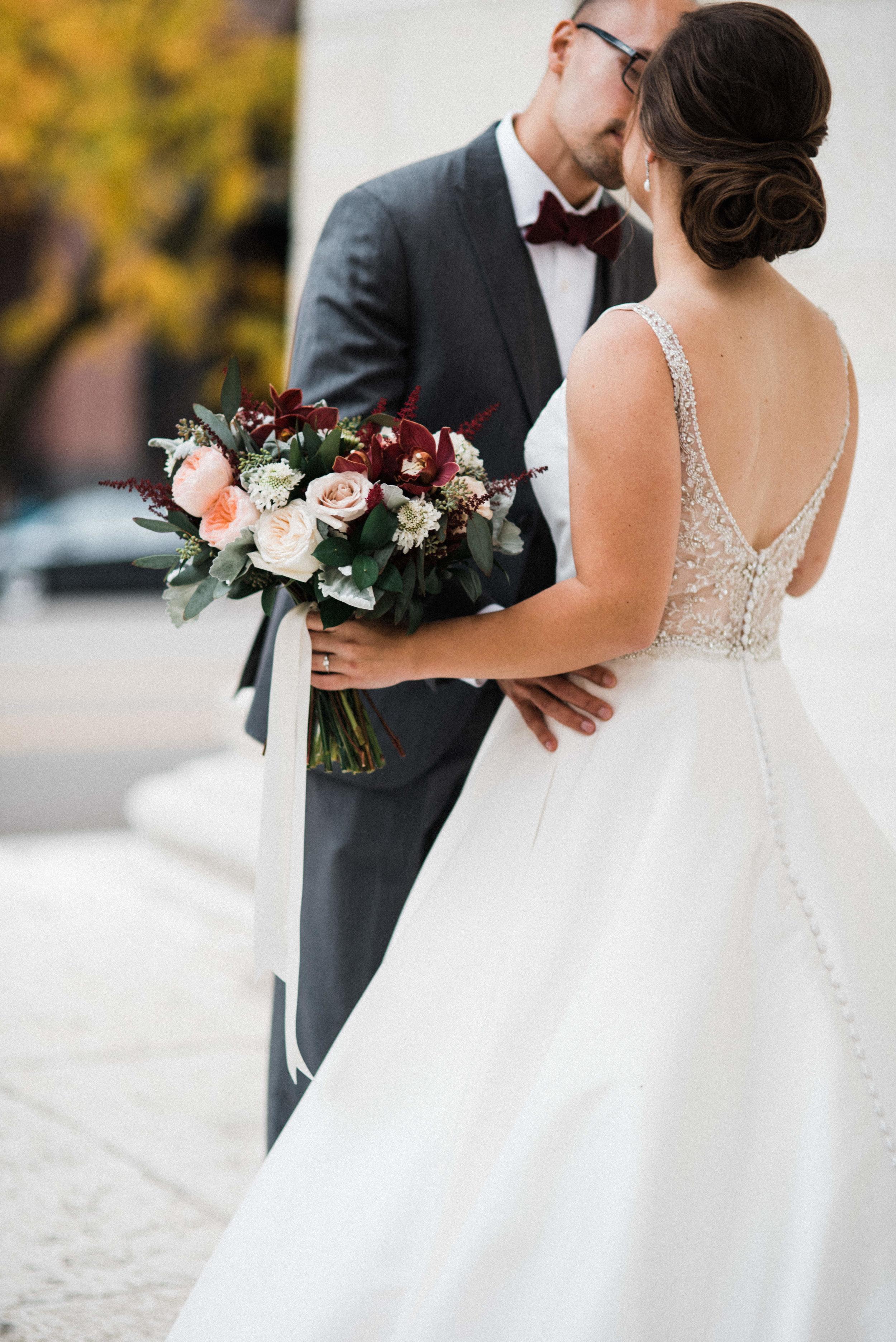 -Chelsea-Hall-Photography-Old-Courthouse-Wedding-Dayton-Ohio-29.jpg