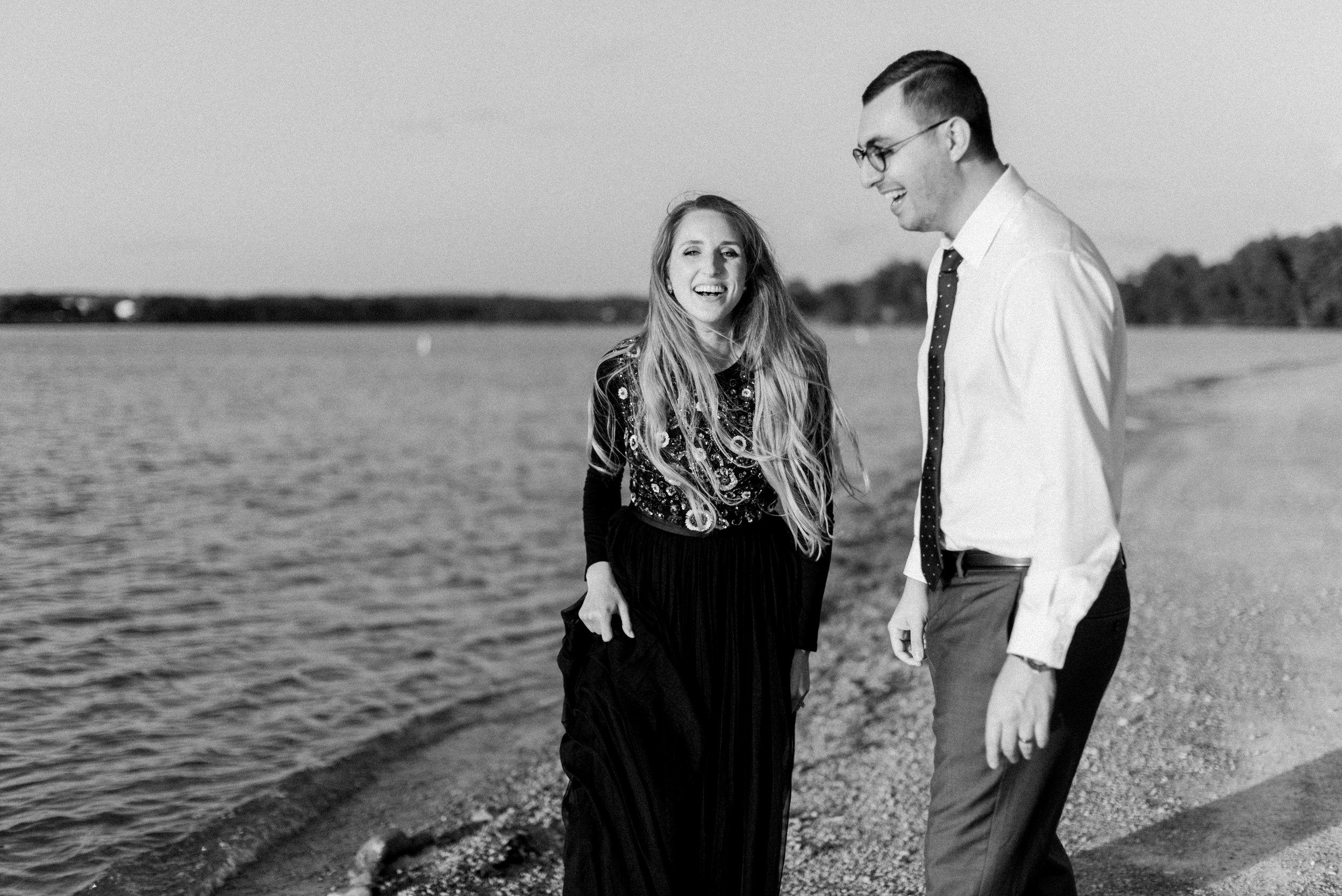 Engagement Session Style Tips | Ohio Wedding Photographer