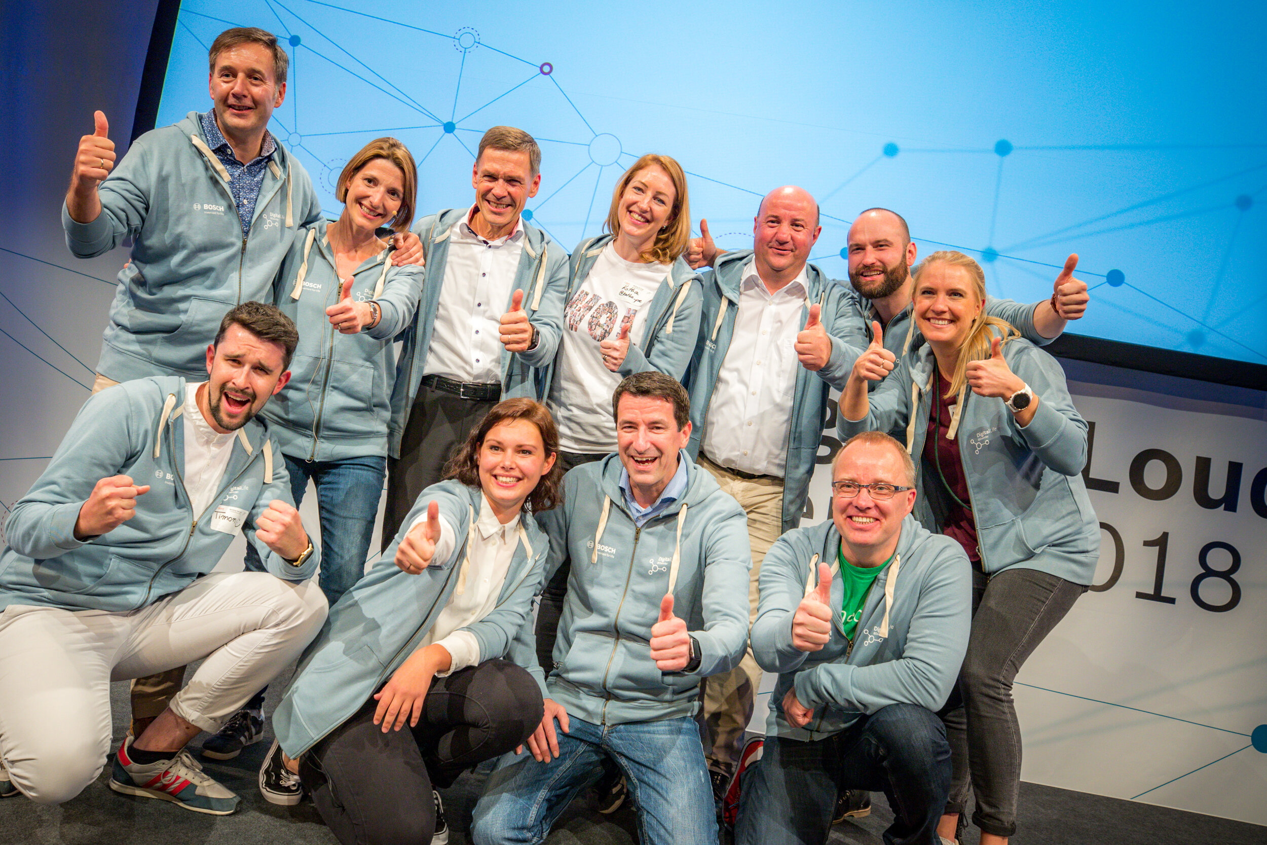 Anja is on the far right, together with board members and other managers from Bosch & Daimler, celebrating the WOL Conference she co-organized.