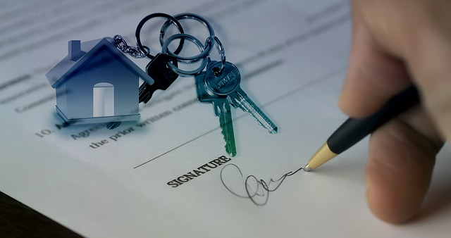 who-pays-for-Minneapolis-title-insurance.jpg