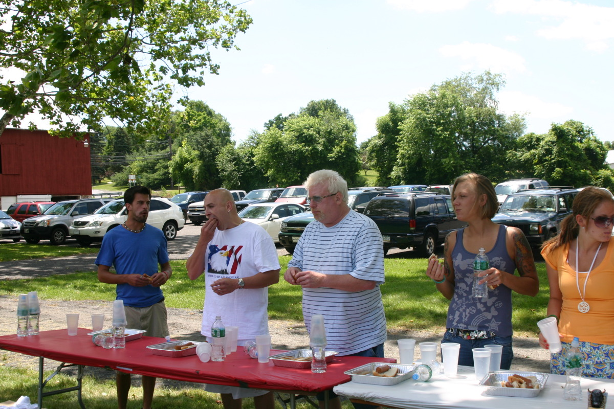 Rising Sun Inn 4th of July Picnic - Hot Dog Eating Contest!