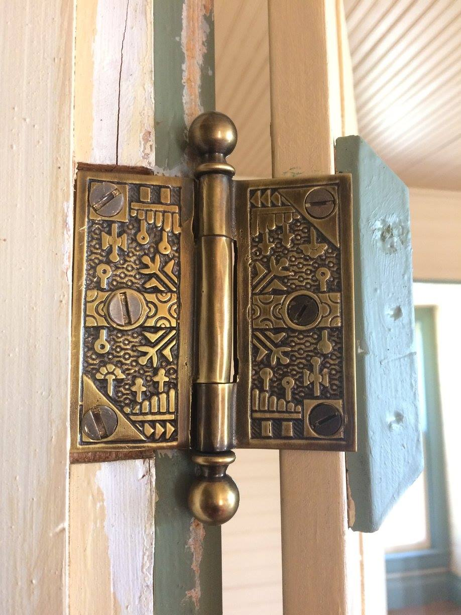 Check out the door hinges!