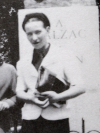 Simone de Beauvoir and Jean-Paul Sartre (detail). Source: Wikimedia Commons