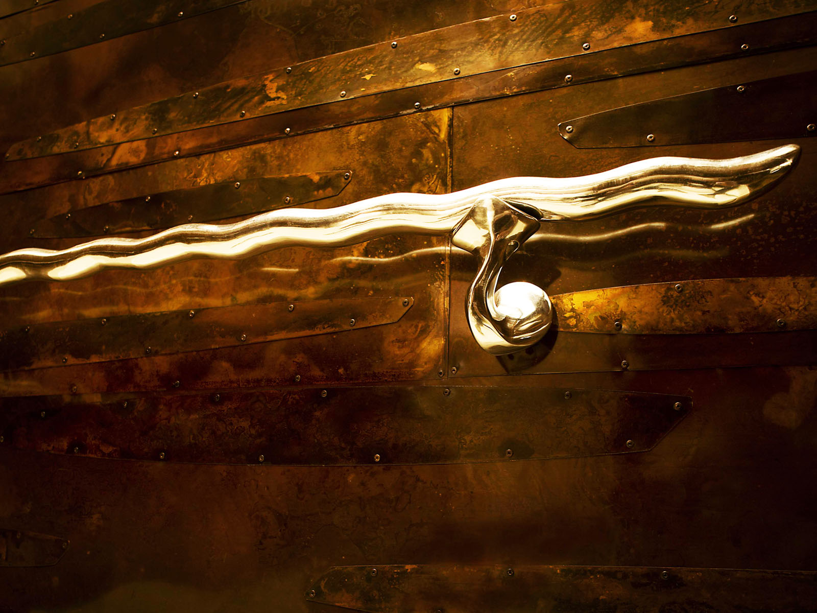 Aluminum Handrail and Copper Wall