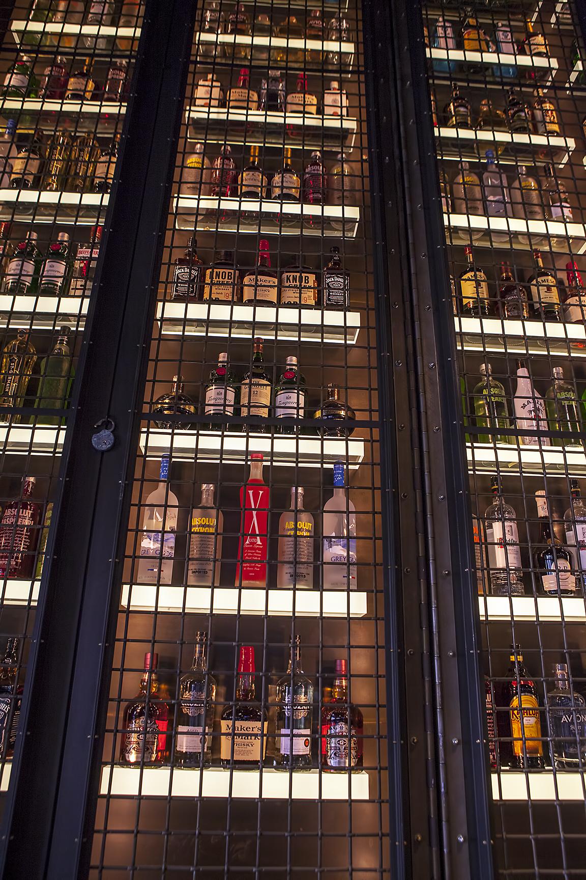 Backbar Bottle Display