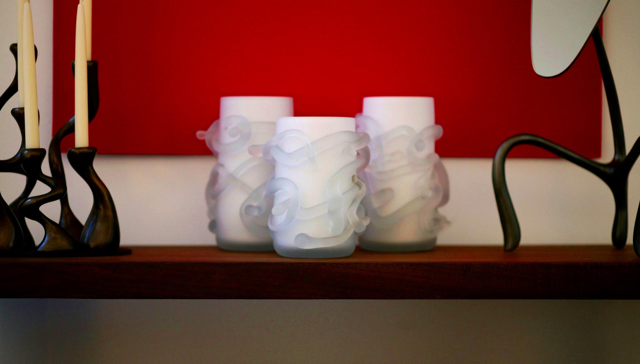 rasta+vases+between+a+Goose-guss+mirror+and+Anna+Mae+candlesticks.jpg