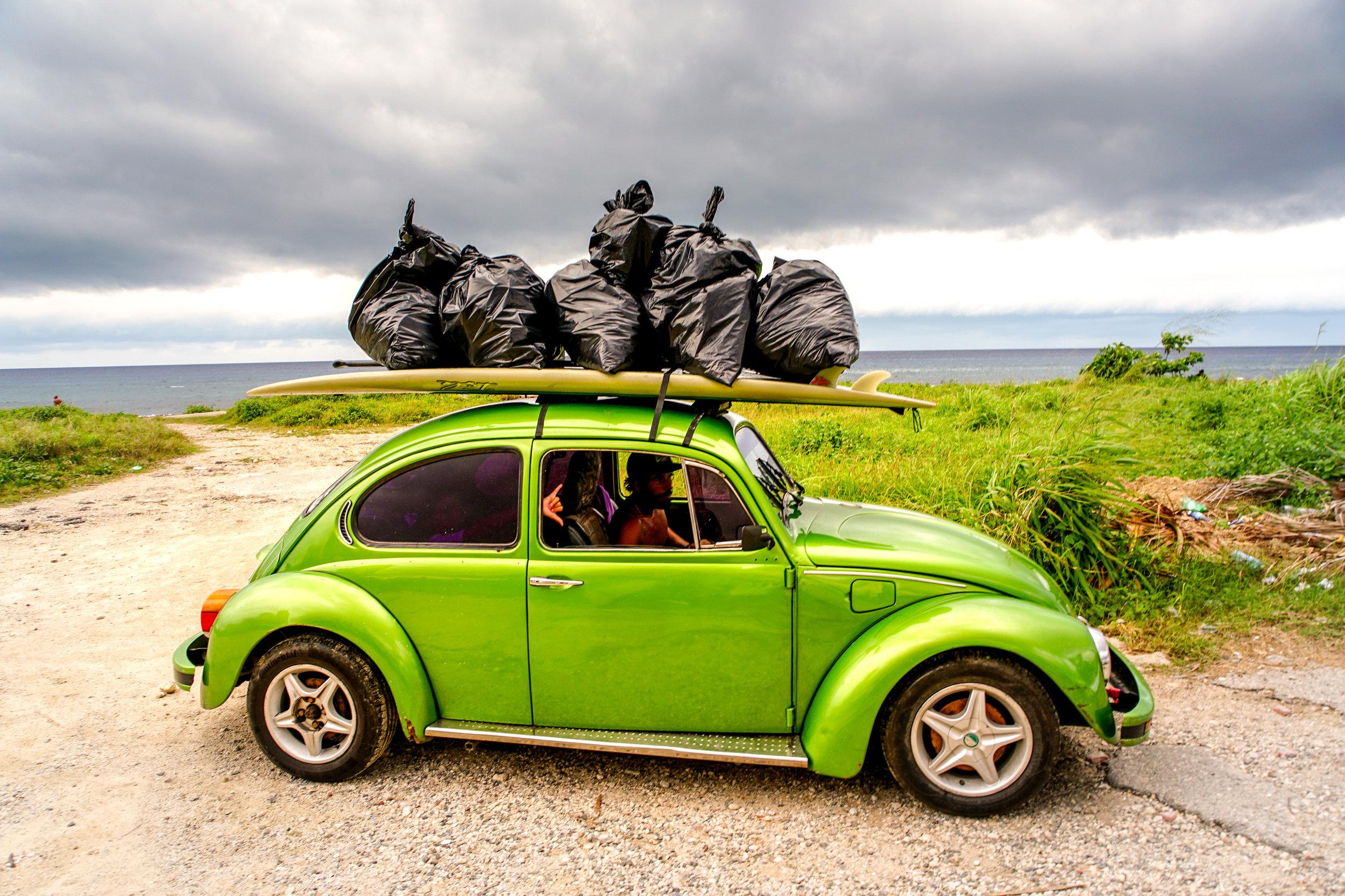 olapi-creative-cuba-trip-beach-cleanup
