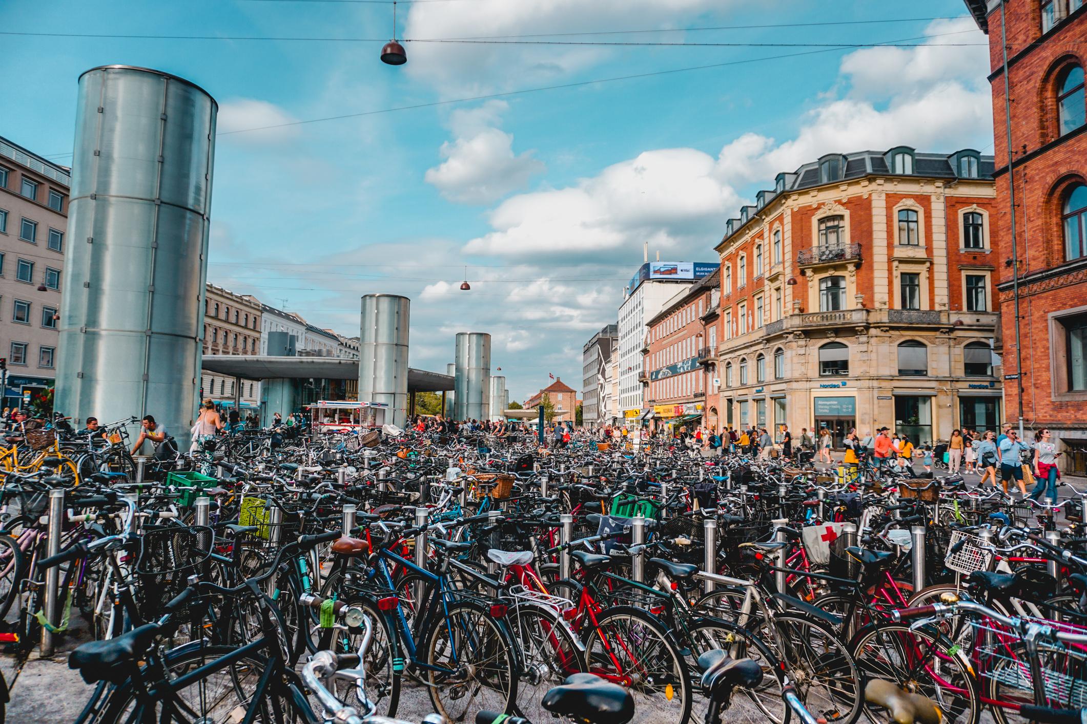 olapi-creative-travel-guide-copenhagen-bicycles