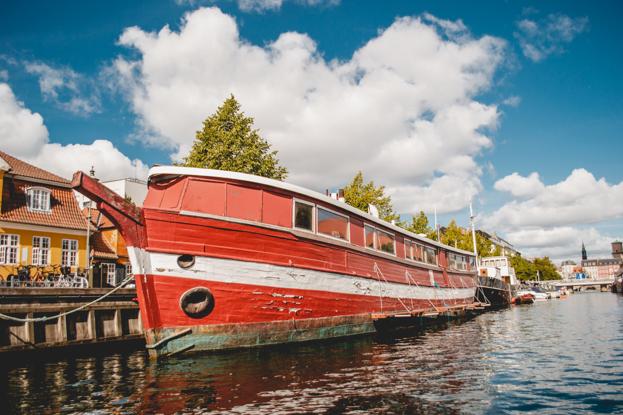olapi-creative-travel-guide-copenhagen-boats1
