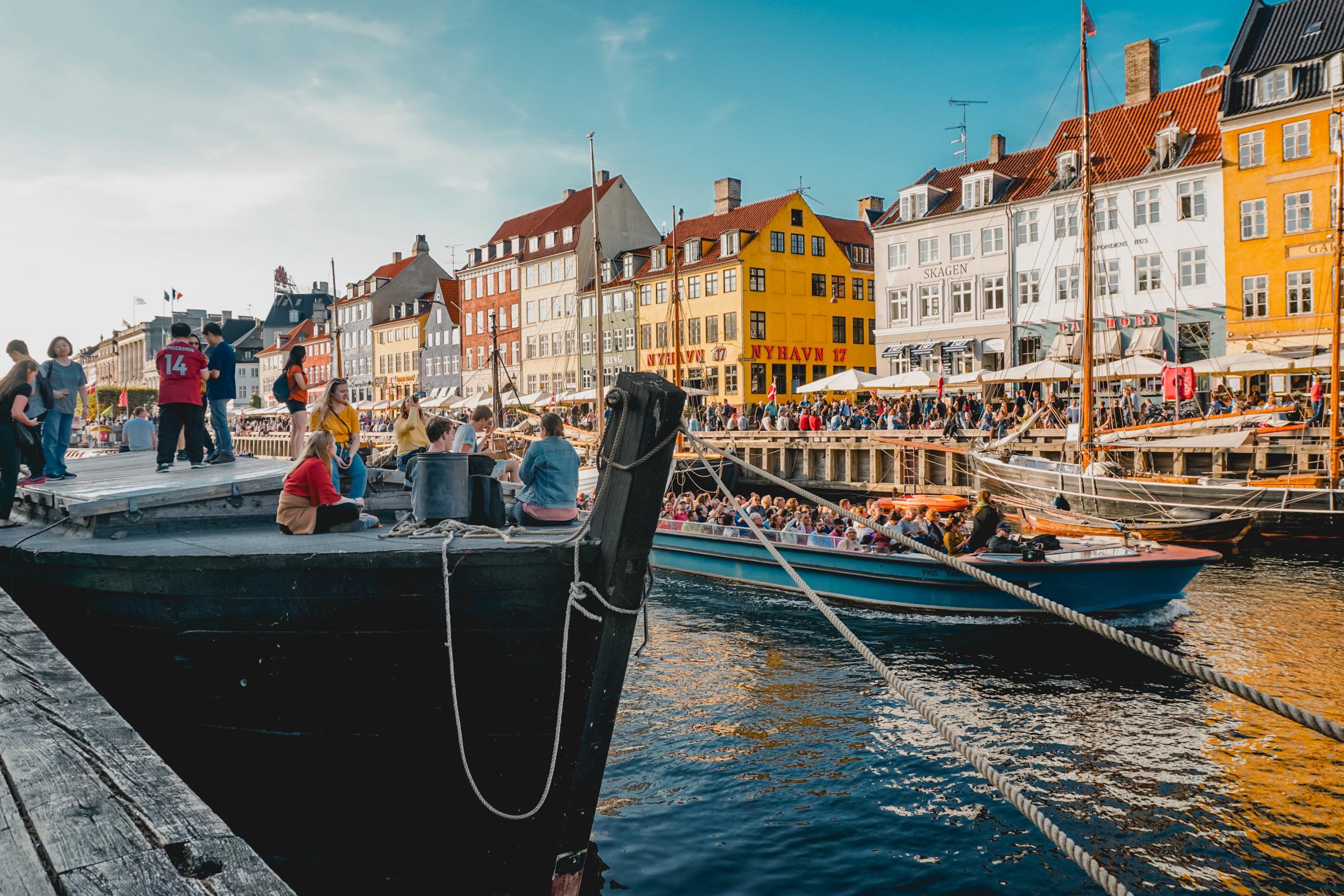 olapi-creative-travel-guide-copenhagen-nyhavn