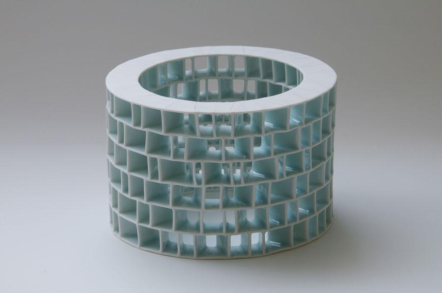 Sanctuary-I-h-12cm-w-18cm-d-18cm.-Hand-building,-porcelain-with-glaze,-photo-by-Kenji.jpg