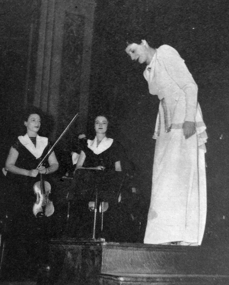 Newspaper clipping, Ethel takes a bow after the MWSO concert at Carnegie Hall