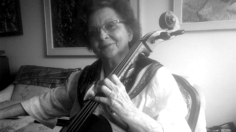 Lyse Vézina playing her cello, 2012