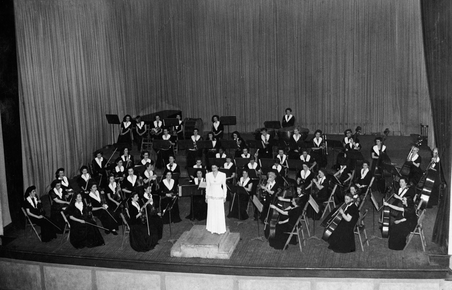 MWSO performing in Plateau Hall, Montreal 1945