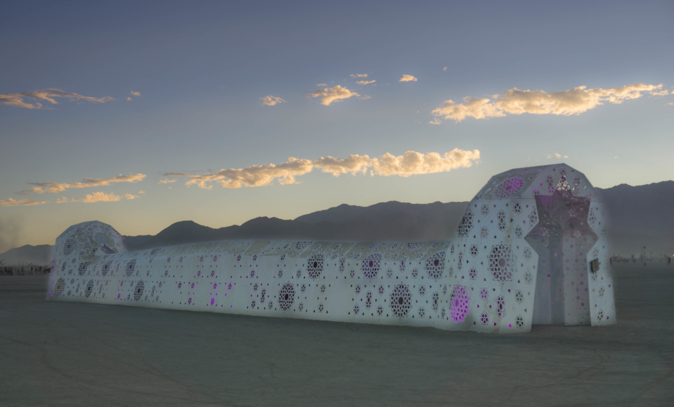 ROSHANAI at Burning Man 2016. Photo by Meike Gugel