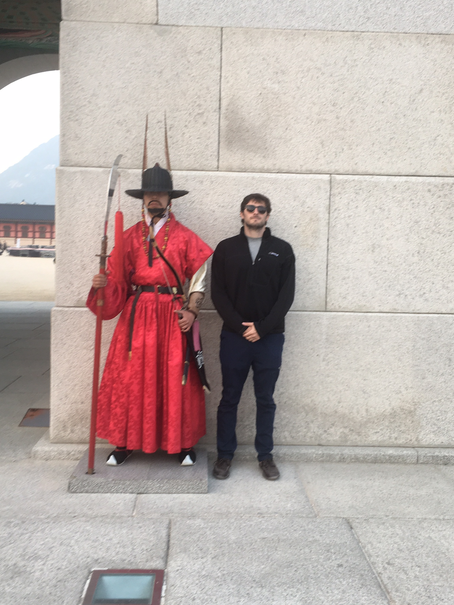 Cole and the badass guard at Gyeongbokgung palace