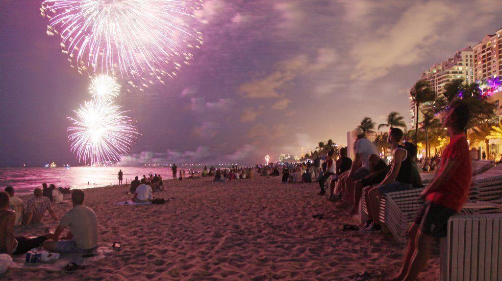 sf-fourth-july-fireworks-south-florida-20170627.jpg