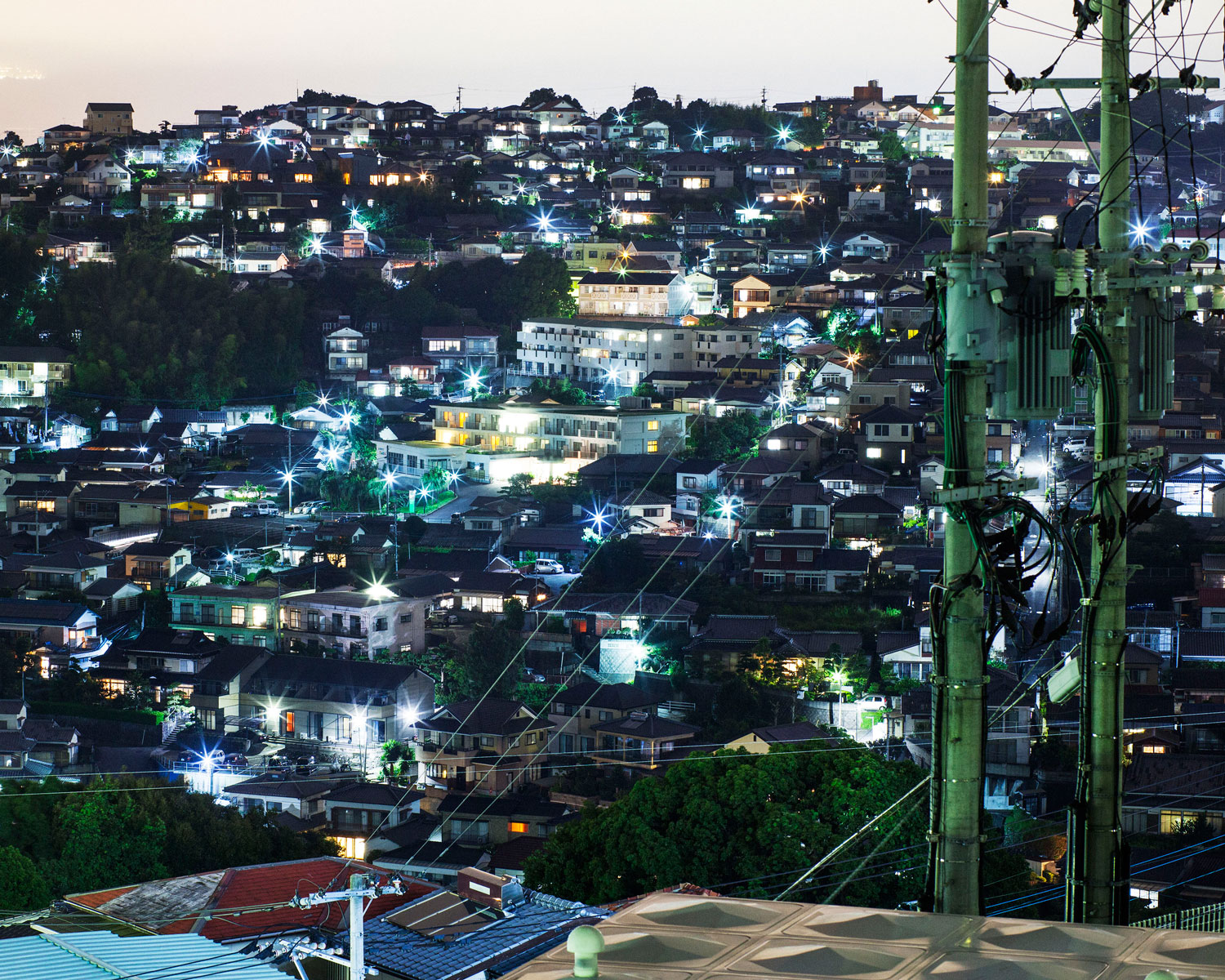 Night in a bed town (Sasebo, Japan 2014)