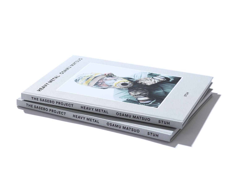 『 HEAVY METAL 』   写真:松尾修 装丁:ナカムラグラフ 仕様:271 x 370 / 布張112頁 発売:日販IPS / 2016年8月 価格:4,860円(税込)