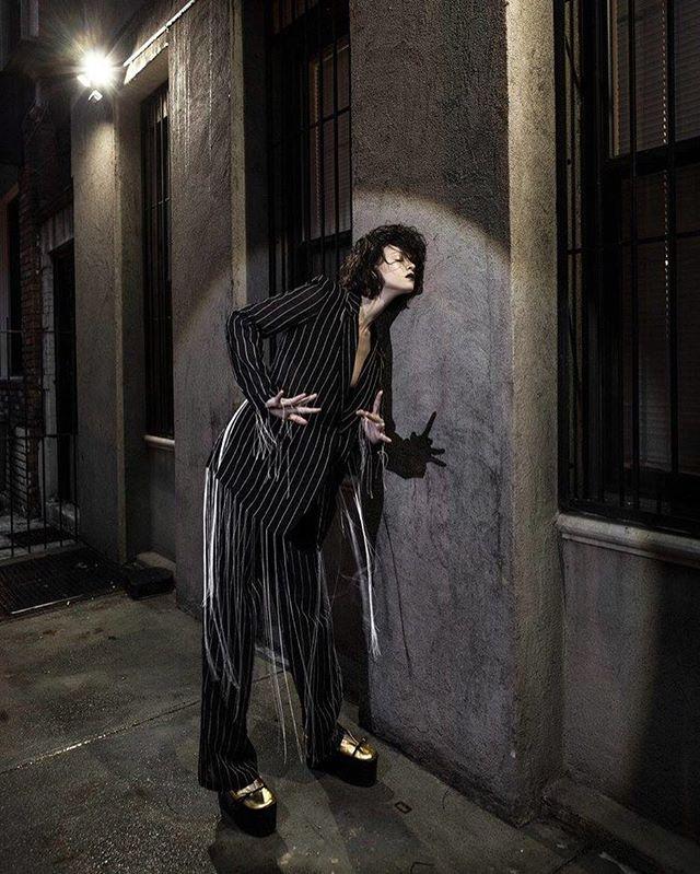 "The mood is ""Sexual Beetlejuice"" - get on my level 👻👻👻 #waybackwednesday for @lofficielindonesia @alejandrocabezut @thecatzpajamas @buddka84 @ajhhair . . . . #dkny #fashionstylist #fashioneditorial #streetstyle #haunted #badbitch #style #fashion #beetlejuice #timburton #gucci #gothfashion #wbw #tbt #fashionstyle"