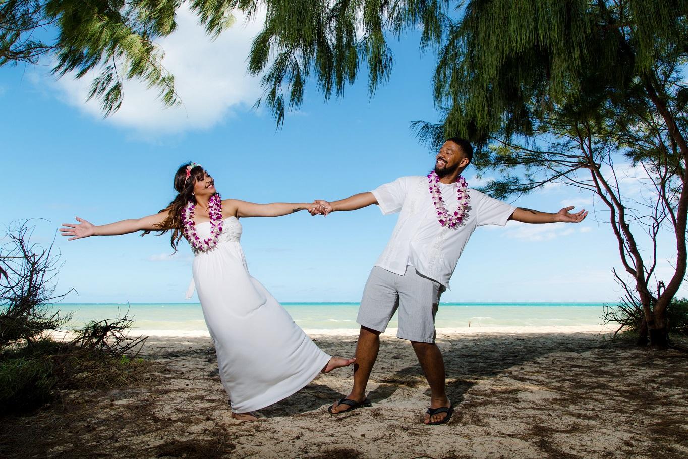 oahu destination beach wedding photography waimanalo hawaii